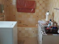 Main Bathroom - 35 square meters
