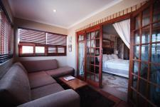 Lounges - 46 square meters of property in Woodhill Golf Estate