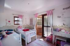 Bed Room 2 - 12 square meters of property in Woodhill Golf Estate