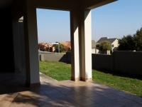 Patio - 28 square meters of property in Kosmosdal