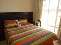 Main Bedroom - 12 square meters of property in Mooikloof Ridge