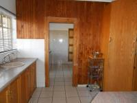 Kitchen - 29 square meters of property in Glenmarais (Glen Marais)