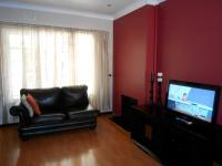 Lounges - 17 square meters of property in Glenmarais (Glen Marais)