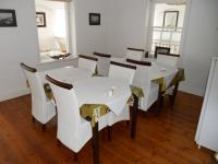 Dining Room - 24 square meters of property in Plettenberg Bay