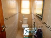 Bathroom 2 - 5 square meters of property in Monavoni