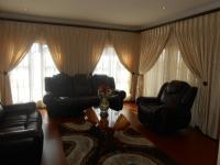 Lounges - 103 square meters of property in Monavoni