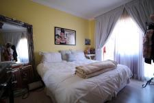 Bed Room 2 - 15 square meters of property in Silver Lakes Golf Estate