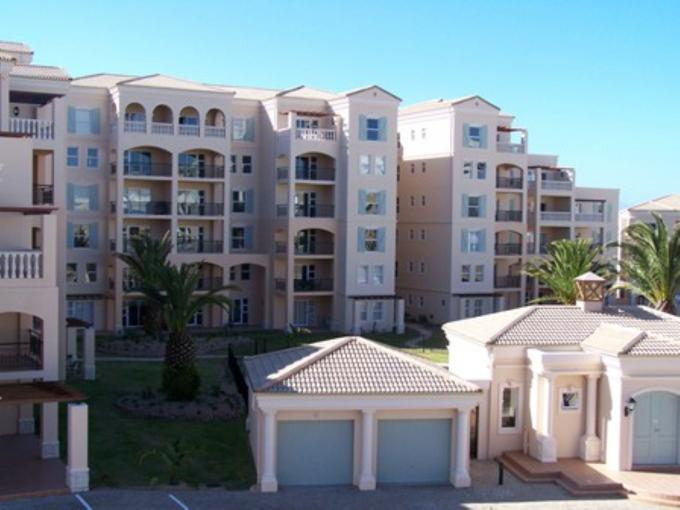 2 Bedroom Apartment for Sale For Sale in Mossel Bay - Private Sale - MR115262