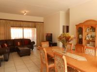 Dining Room - 18 square meters of property in Glenvista