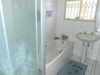Bathroom 1 - 8 square meters of property in The Orchards