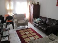 Lounges - 18 square meters of property in Mulbarton