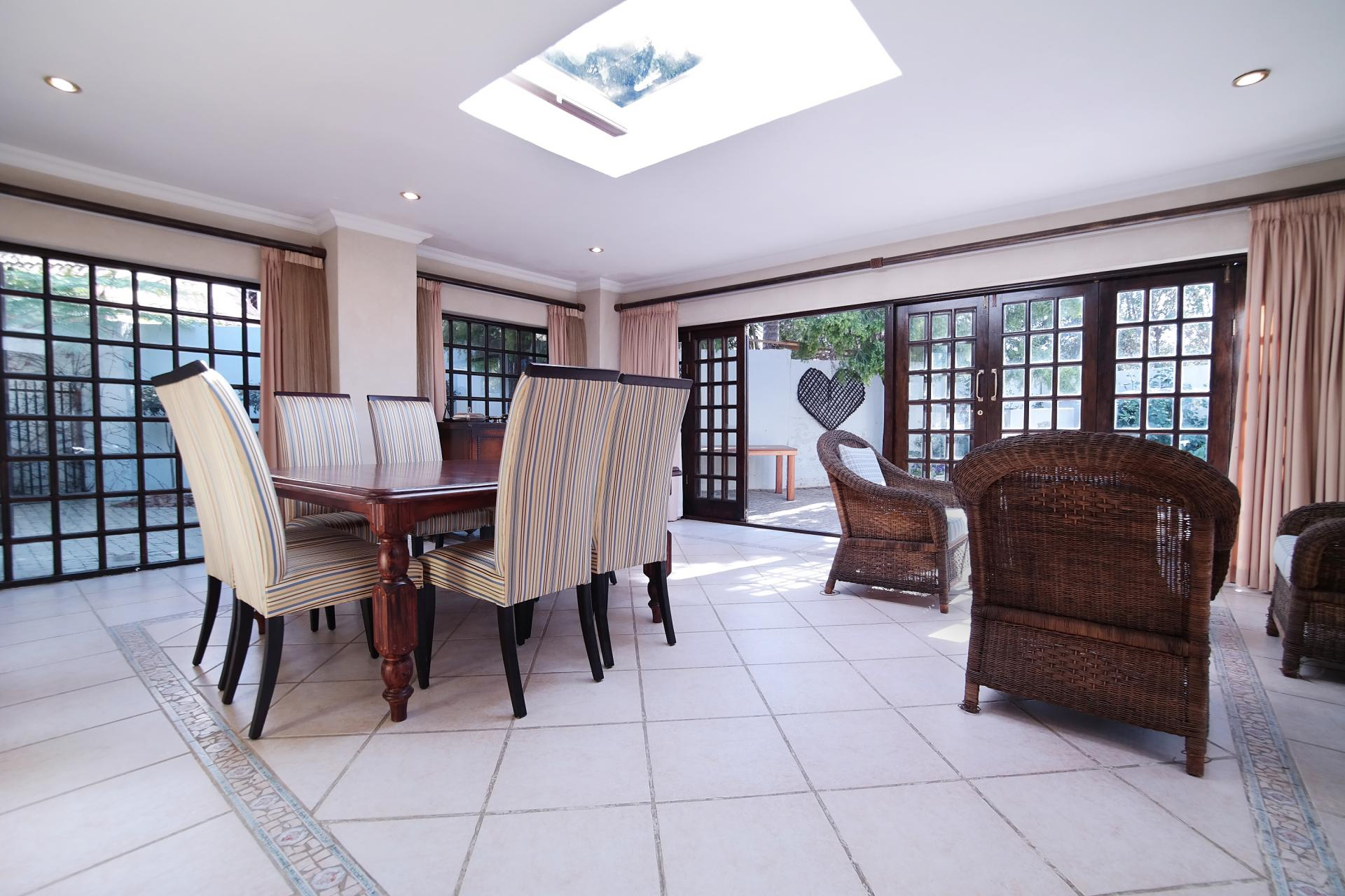 Dining Room - 36 square meters of property in Silver Lakes Golf Estate