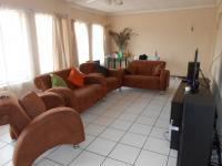 Lounges - 35 square meters of property in Brakpan