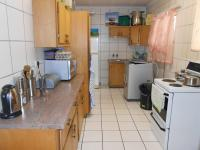 Kitchen - 16 square meters of property in Brakpan