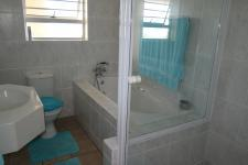 Bathroom 2 - 7 square meters of property in Langebaan
