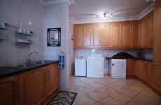 Kitchen - 39 square meters of property in Woodhill Golf Estate