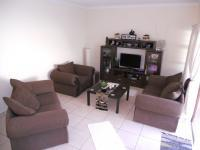 Lounges - 21 square meters of property in Uvongo