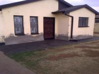 2 Bedroom 1 Bathroom in Siluma view