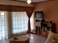 Lounges - 22 square meters of property in Ninapark