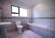 Bathroom 3+ - 12 square meters of property in Woodhill Golf Estate