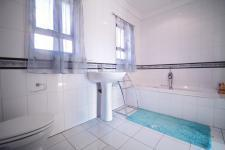Bathroom 2 - 3 square meters of property in Woodhill Golf Estate