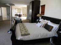 Main Bedroom - 39 square meters of property in Bluewater Bay
