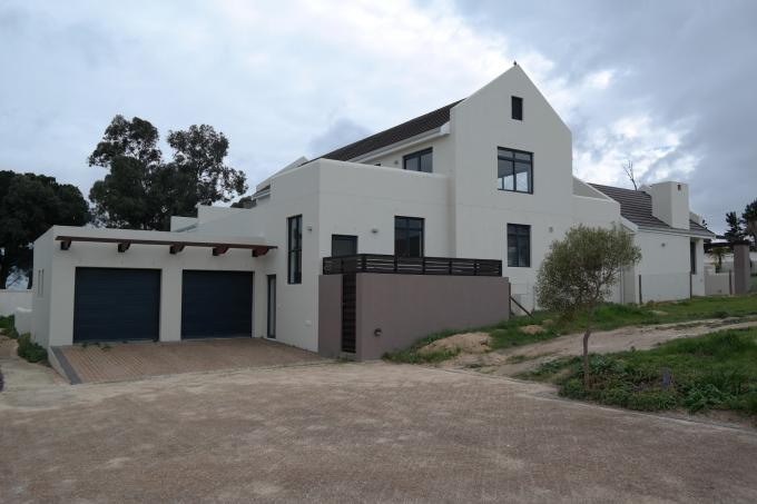 4 Bedroom House for Sale For Sale in Somerset West - Private Sale - MR115632