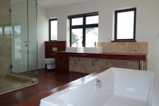 Main Bathroom - 13 square meters of property in Somerset West