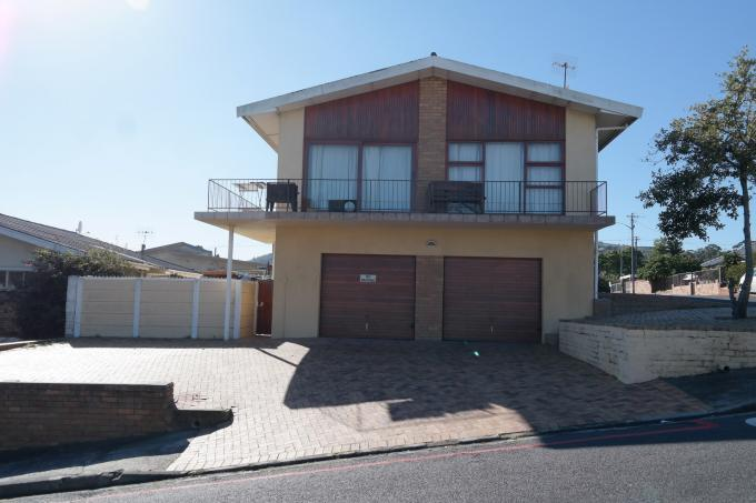 5 Bedroom House for Sale For Sale in Parow North - Private Sale - MR115643