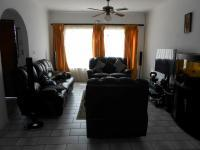 Lounges - 20 square meters of property in Birchleigh North