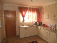 Kitchen - 18 square meters of property in Ladysmith