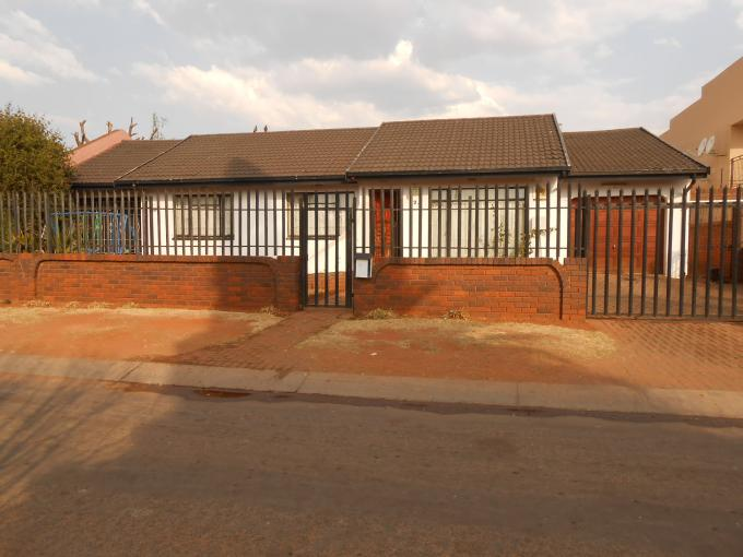 3 Bedroom House For Sale in Lenasia South - Home Sell - MR115688