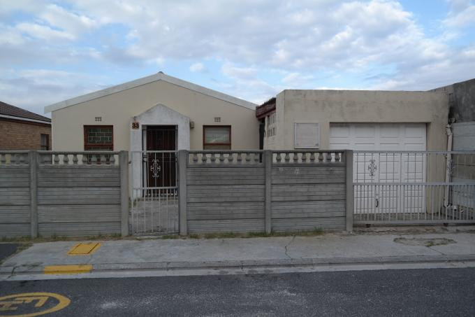 Standard Bank EasySell 3 Bedroom House For Sale in Mitchells Plain - MR115691