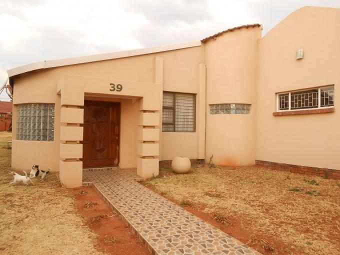 3 Bedroom House for Sale For Sale in Lenasia South - Private Sale - MR115700