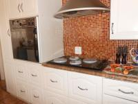 Kitchen - 20 square meters of property in Lenasia South