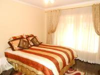 Bed Room 2 of property in Lenasia South