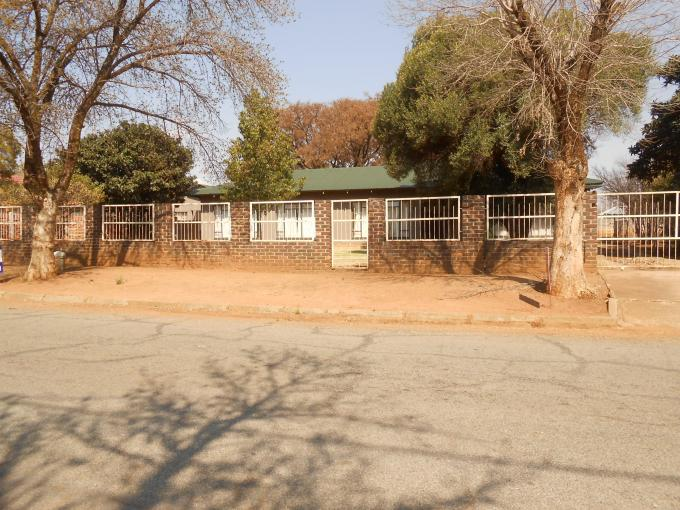 3 Bedroom House for Sale For Sale in Klerksdorp - Private Sale - MR115704
