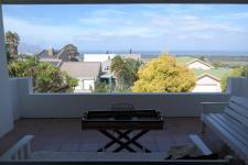 Patio - 18 square meters of property in Somerset West