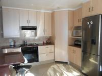 Kitchen - 16 square meters of property in Alberton