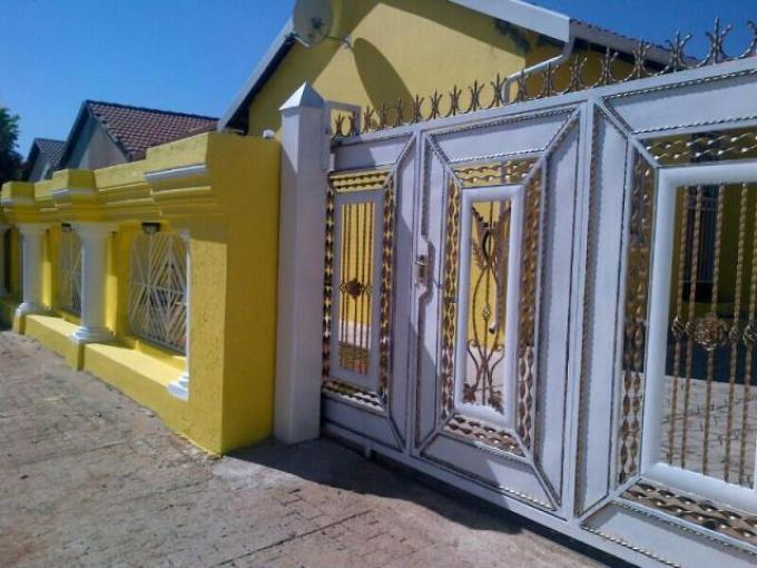 3 Bedroom House For Sale in Mabopane - Private Sale - MR115803