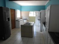 Kitchen - 28 square meters of property in Vaalpark