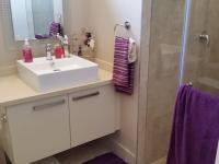 Bathroom 1 - 8 square meters of property in Shere