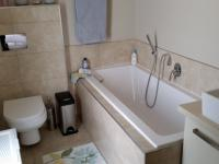 Bathroom 2 - 7 square meters of property in Shere