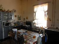 Kitchen - 187 square meters of property in Emalahleni (Witbank)