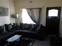 Lounges - 180 square meters of property in Emalahleni (Witbank)