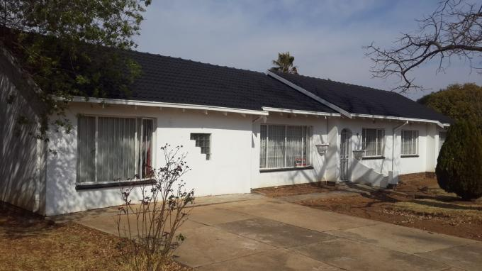 4 Bedroom House for Sale For Sale in Benoni - Private Sale - MR115841