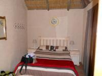 Bed Room 1 - 60 square meters of property in Marblehall