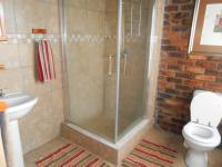 Bathroom 1 - 100 square meters of property in Marblehall