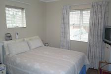 Bed Room 1 - 12 square meters of property in Durbanville