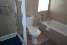 Bathroom 1 - 5 square meters of property in Durbanville
